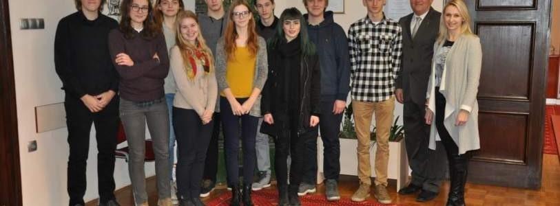 Mladi na občinskih delovnih mestih